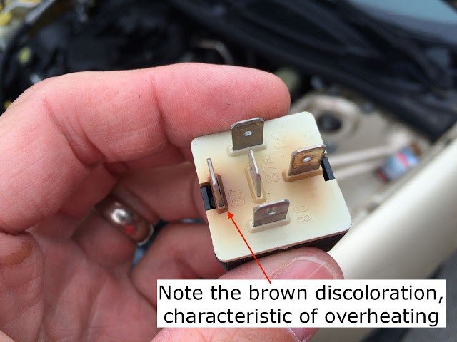20012006 Chrysler Sebring Overheatingfan Will Not E Onhow To. Fan Relay Is Discoloreda Sign That It Bad. Chrysler. Chrysler Sebring Cooling Fan Diagram At Scoala.co