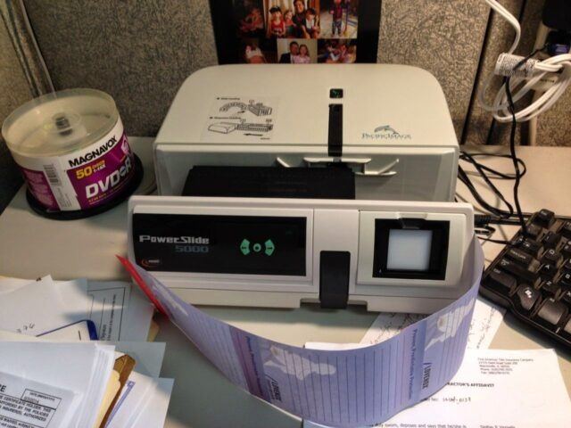 How to Scan Slides on Pacific Image PowerSlide 5000 With VueScan on