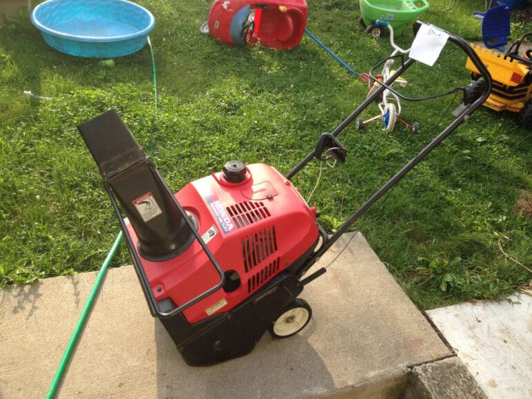 How to replace the auger paddles and scraper bar of a Honda Harmony HS 520
