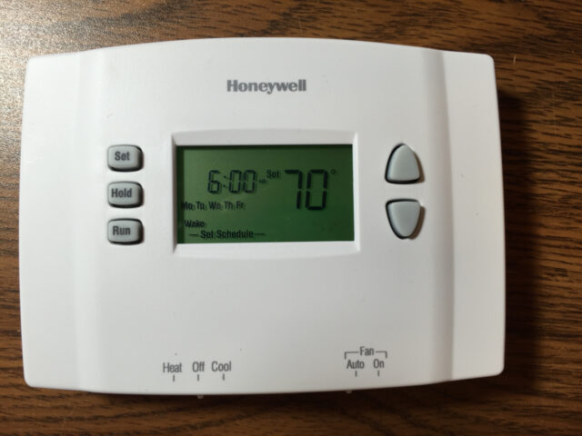 how to set honeywell thermostat schedule