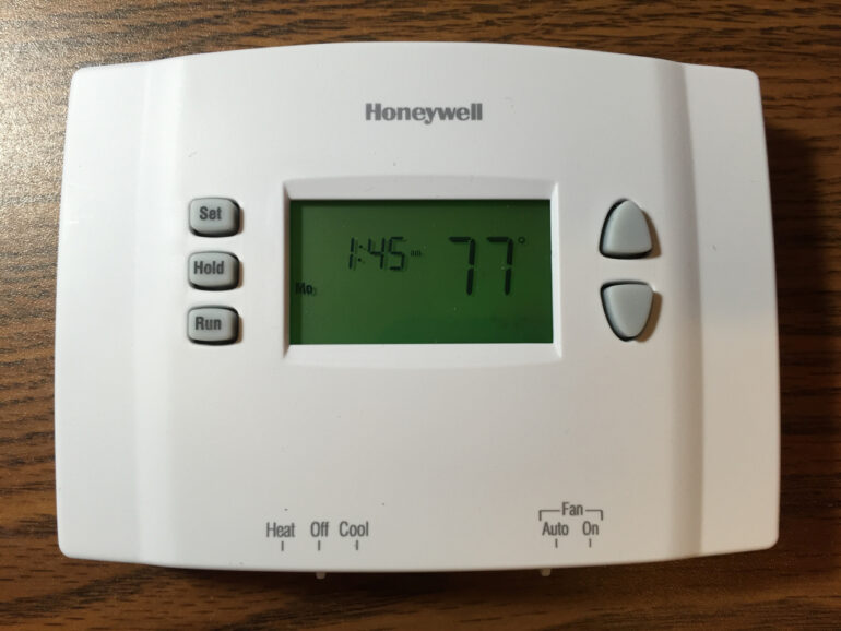 Honeywell thermostat rth2300 programming instructions share your how to program honeywell rth2300 thermostat cheapraybanclubmaster Images