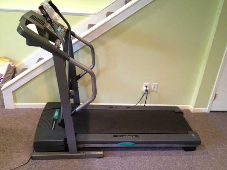 How to replace the rear roller on a proform crosswalk caliber elite treadmill