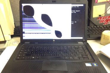 How to Replace the LCD display on a HP Pavilion G56-129WM Laptop