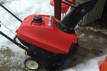 How to Replace the Wheels on a Honda Harmony HS-520 Snow Blower