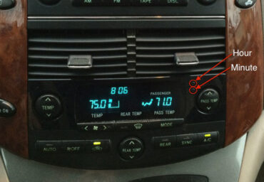 How to set the time on a 2004-2010 Toyota Sienna