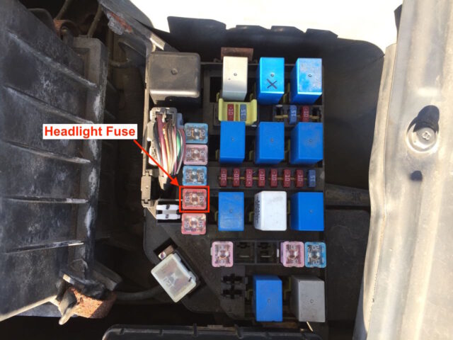 Hyundai Accent Engine Compartment Fuse Box Up Close Headlight Fuse Location 640x480 hyundai accent headlights will not come on share your repair headlight fuse blown at panicattacktreatment.co