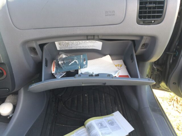 Hyundai Accent Glove Compartment Open