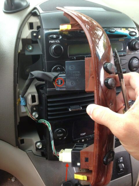 how to replace the stereo on 2004 2010 toyota sienna