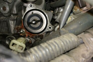How to replace the thermostat on a 2004-2007 Toyota Sienna
