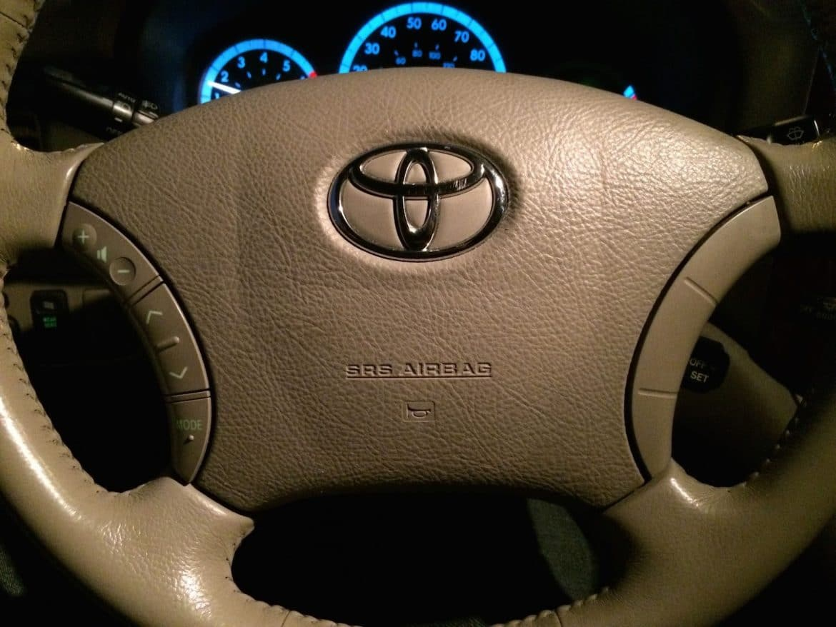 Horn Wont Work How To Troubleshoot The On A 2004 2010 Toyota 2013 Highlander Fuse Diagram Sienna Share Your Repair