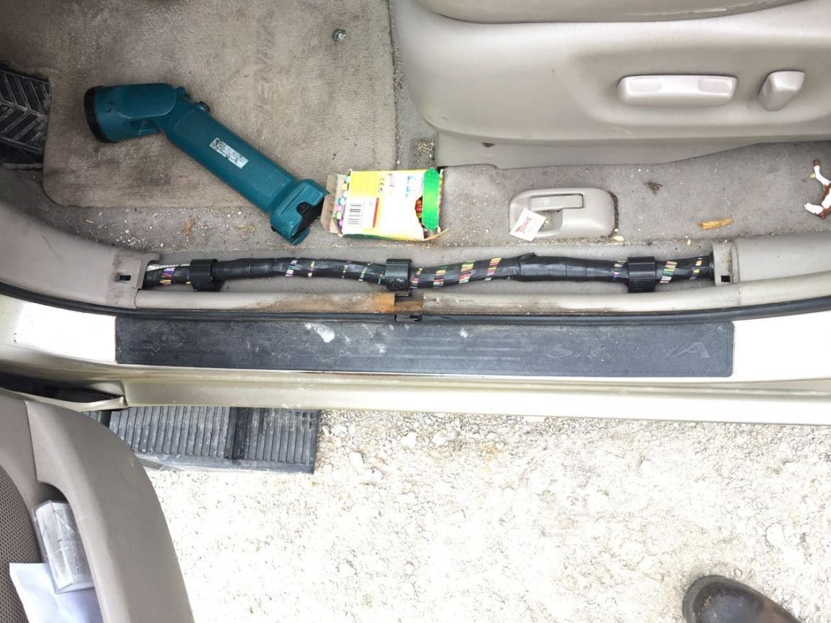 Toyota Sienna Lower Drivers Side Door Frame With Trim